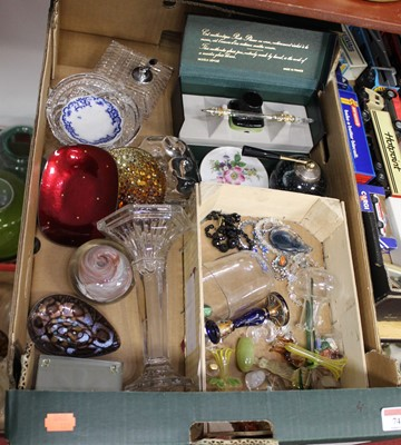 Lot 74 - A box containing a collection of various...