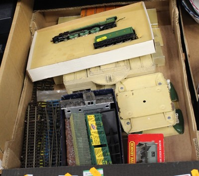 Lot 78 - A box containing a collection of 00 gauge...