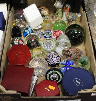 Lot 81 - A box containing a collection of various glass...
