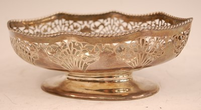 Lot 3059 - A Walker & Hall silver footed bowl, of shaped...