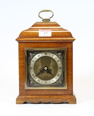 Lot 17 - A 20th century mahogany cased mantel clock, in...