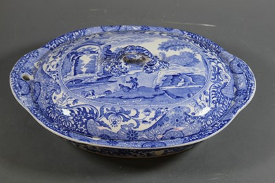 Lot 7 - An early 20th century Copelands warming tureen...