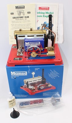 Lot 3 - A Mamod SP5D stationary steam plant,...