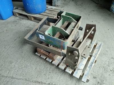 Lot 1 - Front Box and Weights