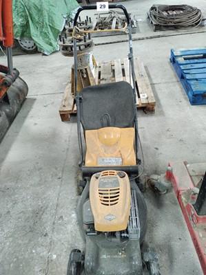 Lot 29 - McCulloch M40-450c Lawnmower
