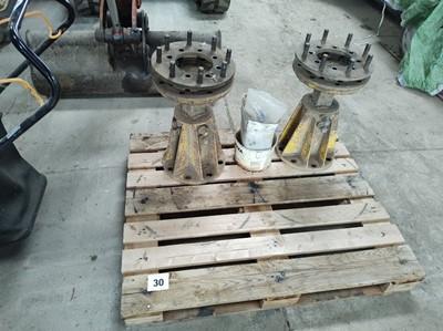 Lot 30 - Wheel Axles