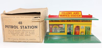 Lot 1007 - Dinky Toys Pre-War No.48 Petrol Station in...