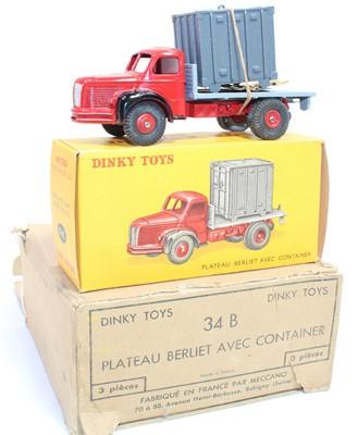 Lot 1014 - French Dinky Toys, No.34B original Trade box...