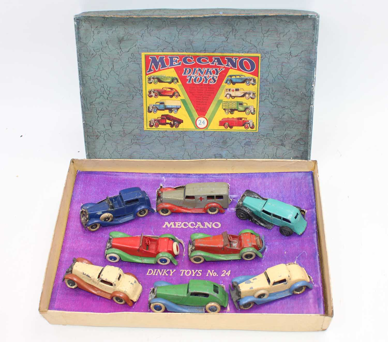 Lot 1021 - Dinky pre-war no.24 gift set with original...