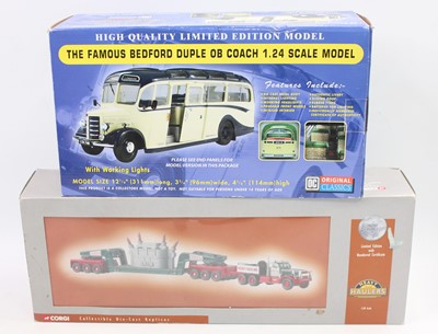 Lot 950 - A group of 2 boxed modern issue models as...