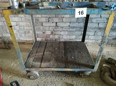 Lot 16 - Shelving Unit