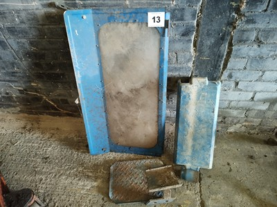 Lot 13 - Battery Cover, Back Window and Step off Ford...