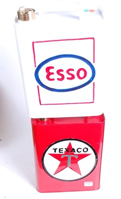 Lot 17 - A reproduction Texaco advertising petrol can,...