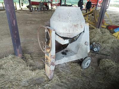 Lot 31 - Vintage Cement Mixer