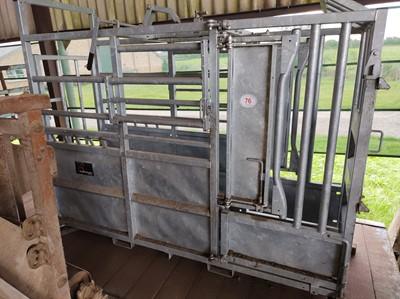 Lot 76 - Batemen Cattle Crush