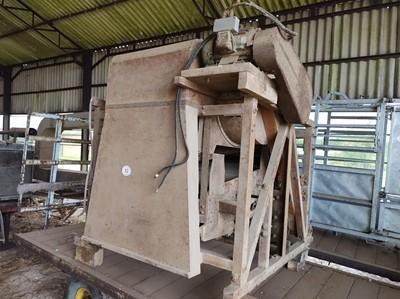 Lot 82 - Roller Mill